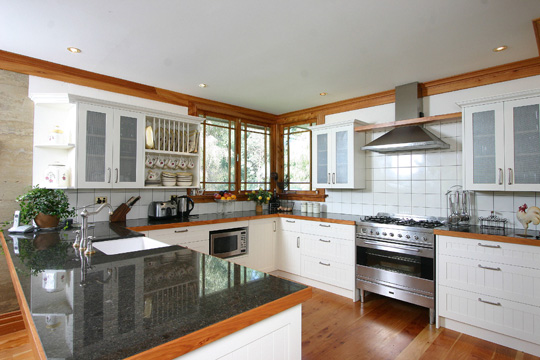 Country style kitchen kitchen design photos kapiti coast for Country style kitchen nz